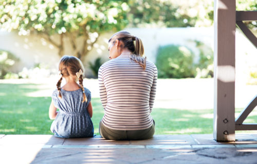 Photo of mom and young daughter on porch - Minnesota Parenting Plan - KM Family Law